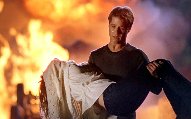 The OC - Season 3 Finale -- Pictured: Ryan and Marissa