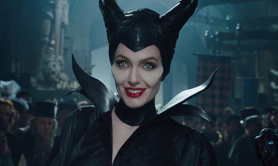 maleficent-angelina-jolie-smiling