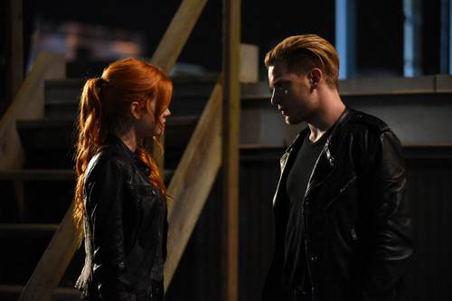 1x03-Dead-Man-s-Party-shadowhunters-tv-show-39185516-500-333