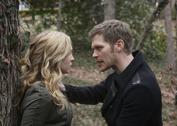 "The Vampire Diaries -- ""She's Come Undone"" -- Pictured (L-R): Candice Accola as Caroline and Joseph Morgan as Klaus -- Image Number: VD421b_0025.r.jpg -- Photo: Annette Brown/The CW -- © 2013 The CW Network, LLC. All rights reserved."