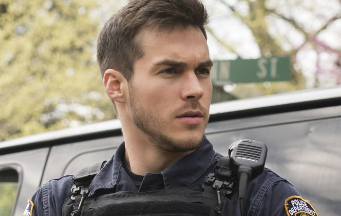 "Containment – ""Pilot"" – Image Number: CON101c_0120.jpg – Pictured: Chris Wood as Jake -- Photo: Tina Rowden/The CW – © 2015 The CW Network, LLC. All rights reserved."