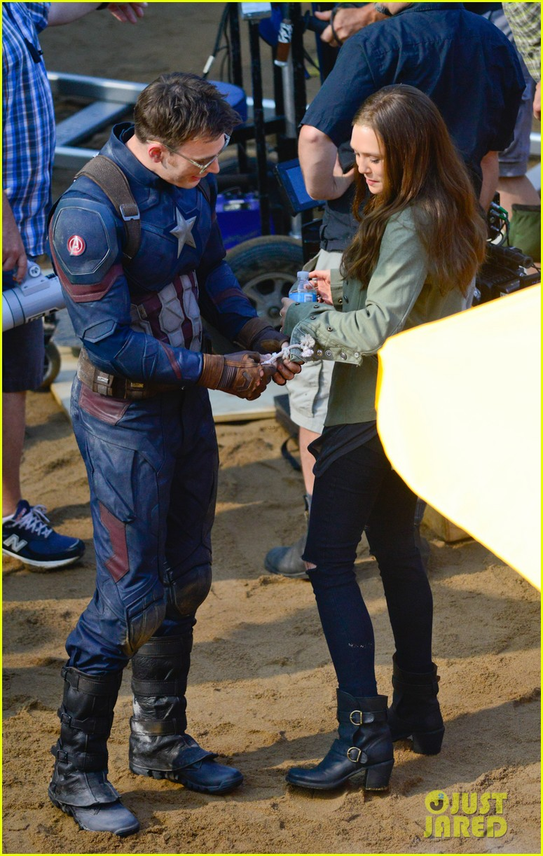 EXCLUSIVE TO INF. May 20, 2015: Chris Evans, Elizabeth Olsen seen hanging out on the set of the new film, 'Captain America: Civil War,' in Atlanta, Georgia. Mandatory Credit: INFphoto.com Ref: infusat-05